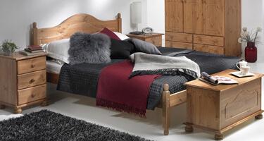 Copenhagen Pine Bedroom