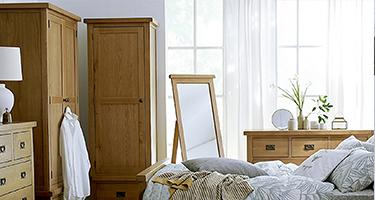 Coventry Oak Bedroom