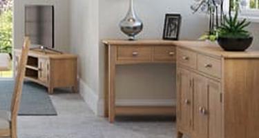 Glasgow Oak Living Room