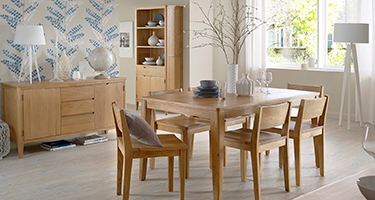 Heritance Ossby Oak Dining Room