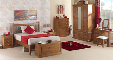 Heritance Shendon Pine Bedroom