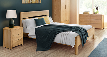 Julian Bowen Curve Solid Oak Bedroom