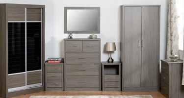 Seconique Lisbon Black Wood Grain Bedroom