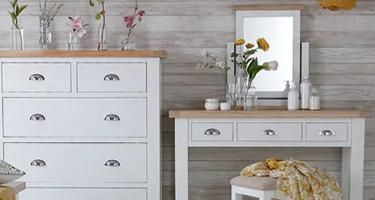 Tetbury White Painted Bedroom