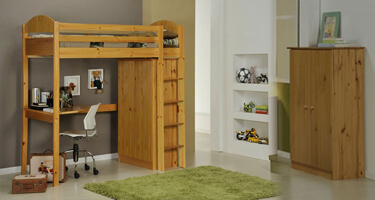 Verona Designs Verona Antique Pine Bedroom