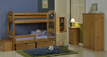 Verona Designs Maximus Antique Pine Bedroom