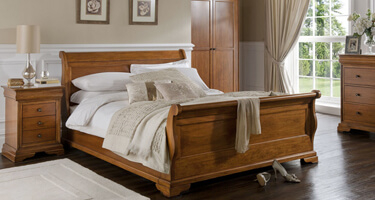Willis & Gambier Louis Philippe Honey Comb Bedroom