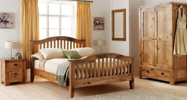 Willis & Gambier Normandy Oak Bedroom