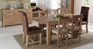 Willis & Gambier Tuscany Hills Oak Dining Room